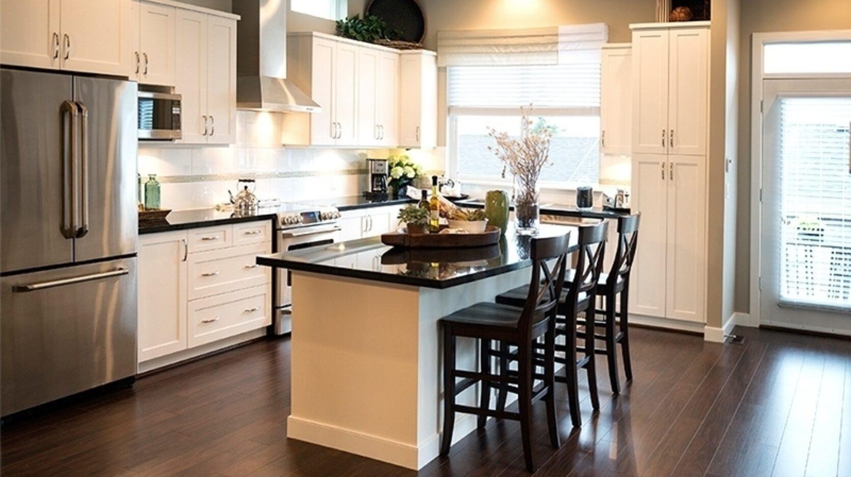 Bilde av moderne og stilrent kjøkken