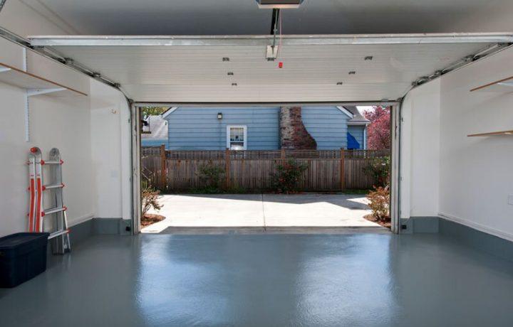 Enten du ønsker stor garasje, eller en carport, finner du håndverkere som kan hjelpe deg med å bygge garasje på Mittanbud.