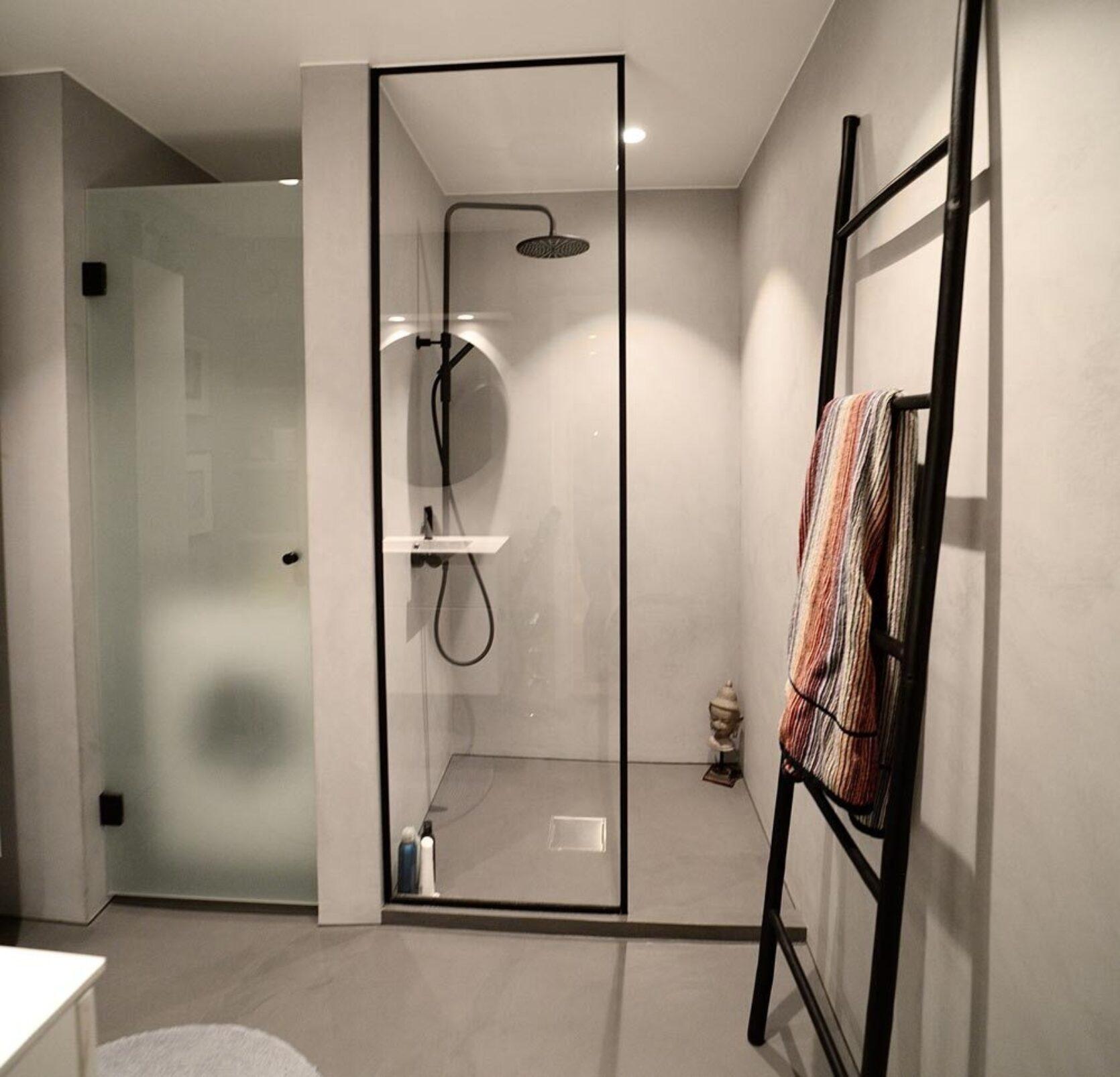 Mikrosement på badet er et enkelt grep som hever helhetsinntrykket
