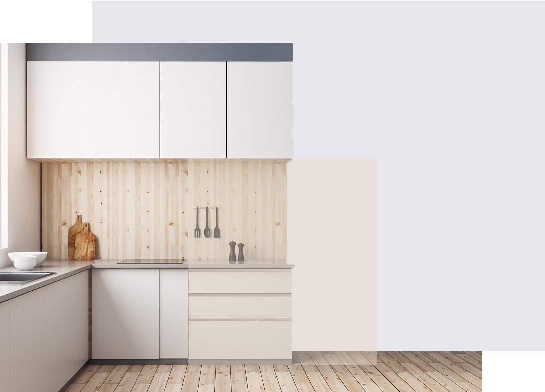 Moderne kjøkken med lyst trepanel og hvite fronter.
